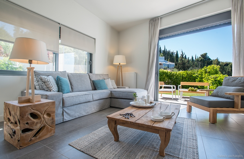 Villa 1 - Living room & outdoors view