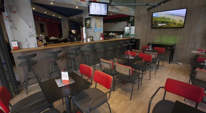 Internet Cafe Bar In Spot Thessaloniki