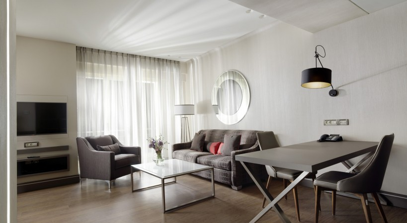 HOTEL HOLIDAY SUITES ATHENS